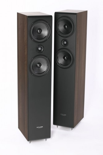 Pylon Audio Opal 23 ORZECH.jpg